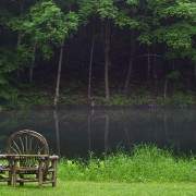 04-pond with two chairs